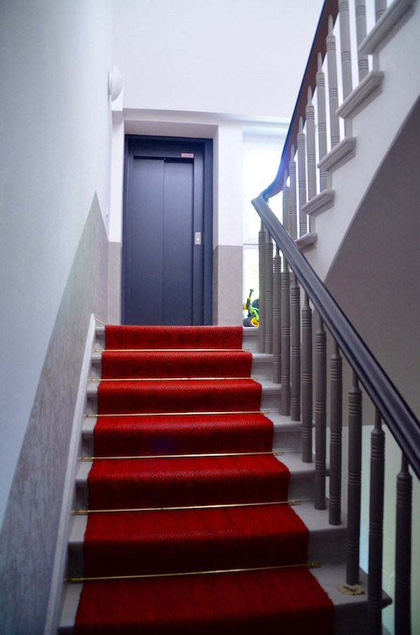 Escaliers et ascenseur