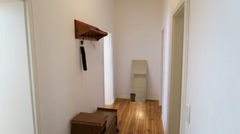 Entrée et couloir de l'appartement