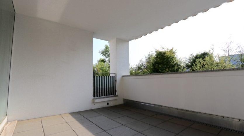 Balcon avec vue sur du vert