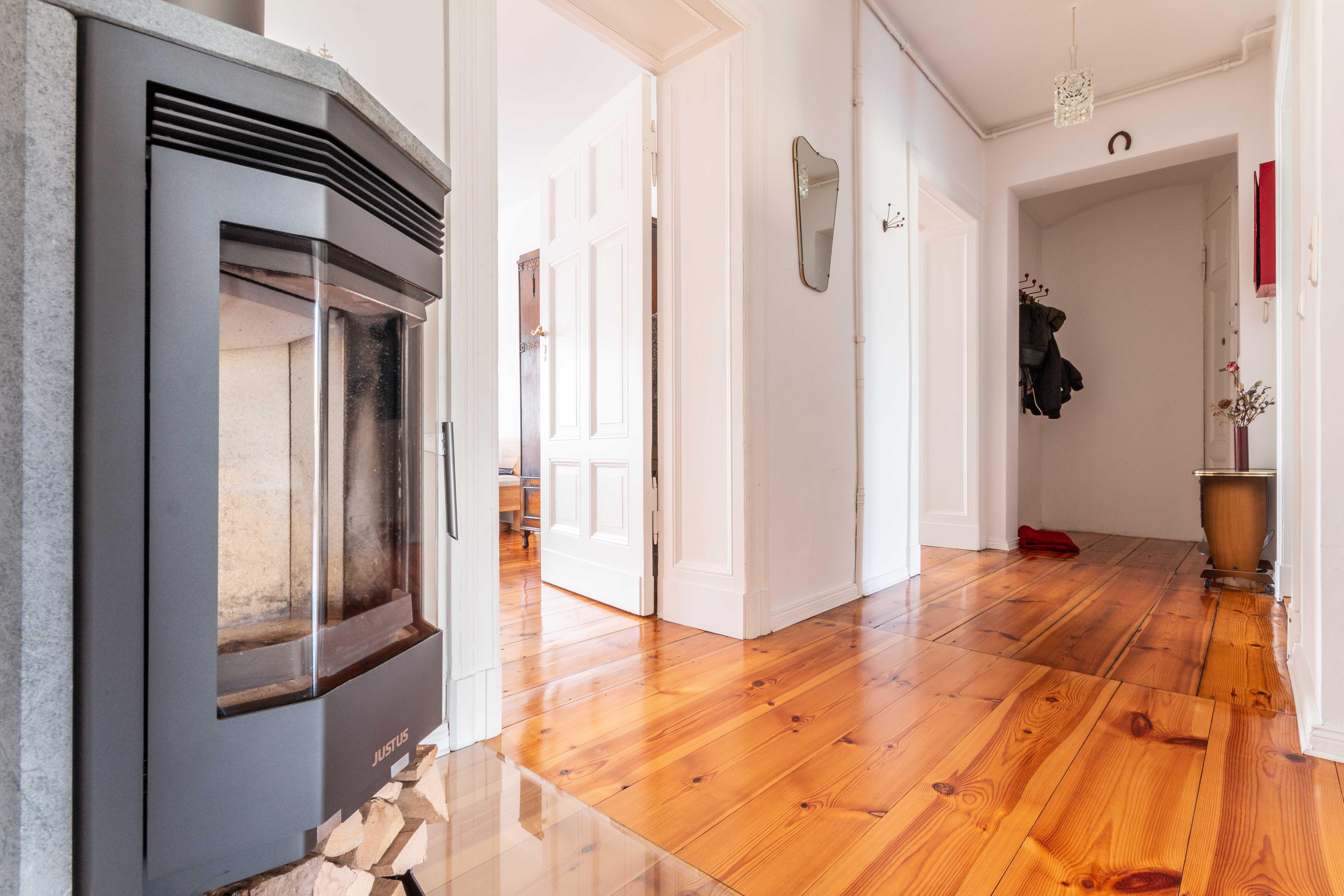 Salle De Bain Avec 2 Entrees 2 appartements - combinables en duplex avec cheminée +